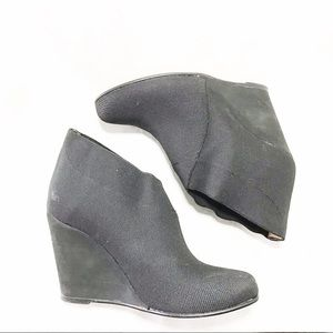 Andre Assous Black Wedge Booties Sz 37